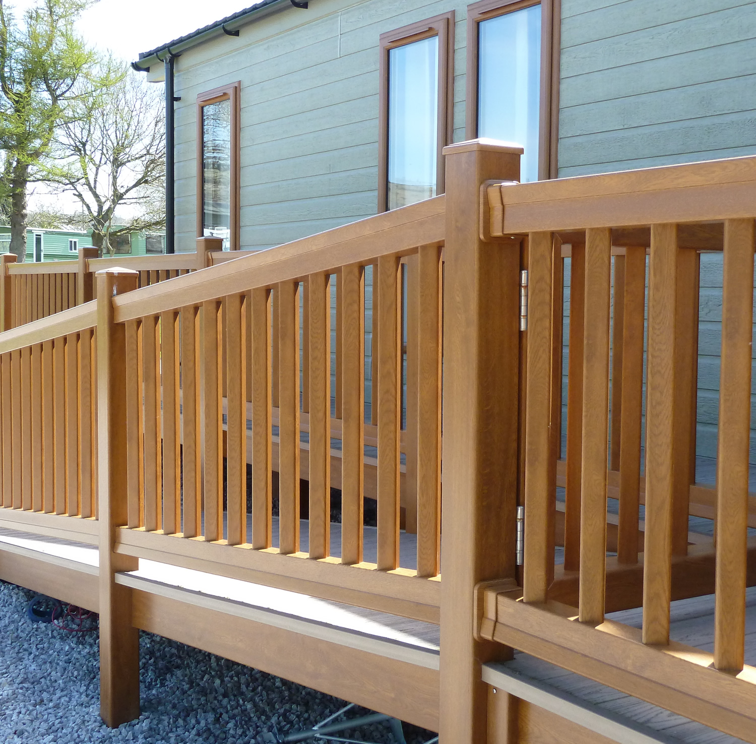 Foiled Upvc Top Bottom Handrail World Of Decking